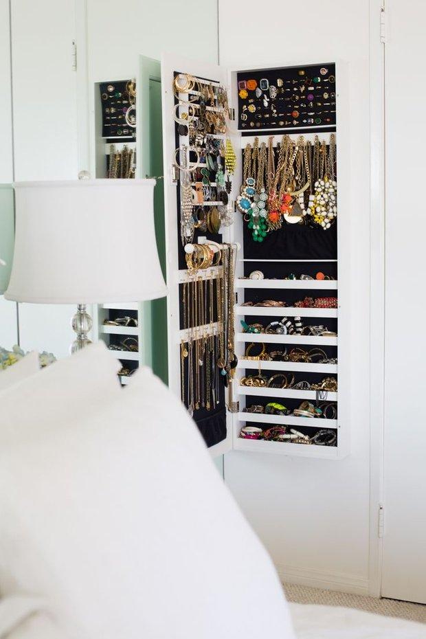 Фотография: Аксессуары в стиле , Гардеробная, Хранение, Стиль жизни, Советы, Системы хранения, Украшения – фото на INMYROOM