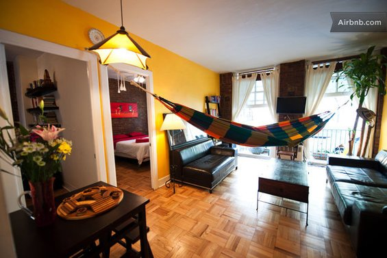 Фотография: Кухня и столовая в стиле Скандинавский, Декор интерьера, Текстиль, Airbnb, Гамак – фото на INMYROOM