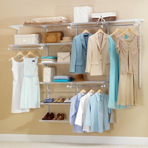 Фотография:  в стиле , Гардеробная, Малогабаритная квартира, Советы, Уютная квартира, как обустроить гардеробную, гардеробная в однушке, дизайн гардеробной, планировка гардеробной – фото на INMYROOM