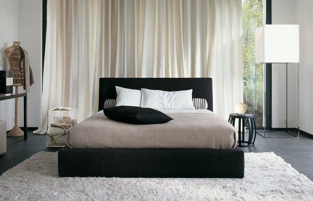 Фотография: Спальня в стиле Восточный, Классический, Декор интерьера, Интерьер комнат, Цвет в интерьере, Белый, Черный, Серый – фото на INMYROOM