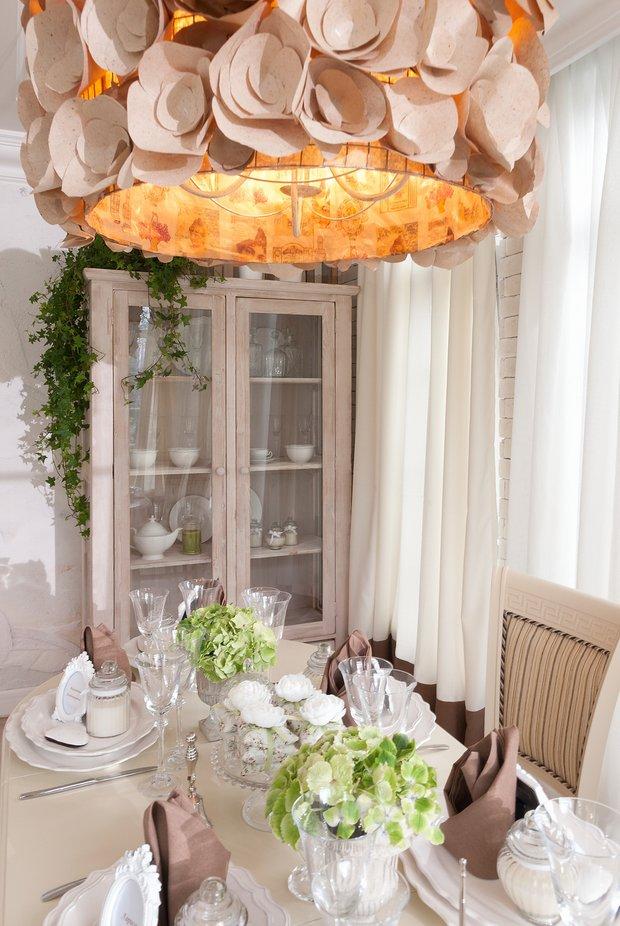 Фотография: Кухня и столовая в стиле Прованс и Кантри, Дом, Интерьер комнат, Прованс, Дача, Камин – фото на INMYROOM