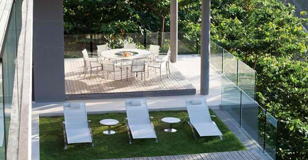 Фотография: Балкон, Терраса в стиле Современный, Ландшафт, Flos, Мебель и свет, Стиль жизни, Дача, Сад – фото на INMYROOM