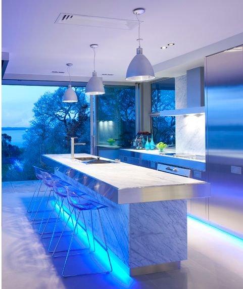 Фотография: Ванная в стиле Хай-тек, Кухня и столовая, Квартира, Мебель и свет, Советы – фото на INMYROOM