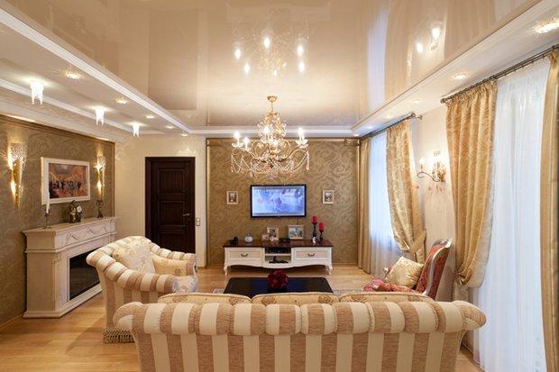 Фотография: Гостиная в стиле Классический, Советы, Ремонт, Потолок, Ремонт на практике – фото на INMYROOM