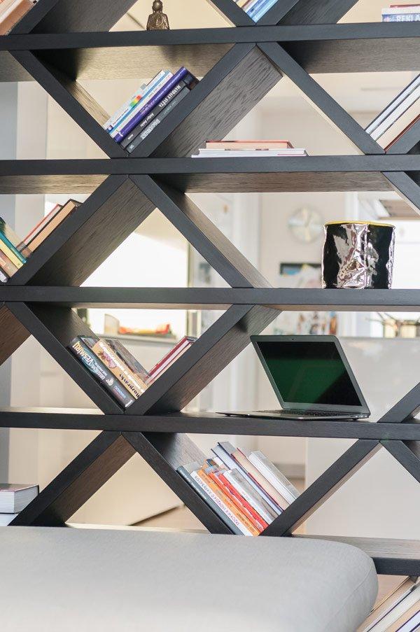 Фотография: Декор в стиле Современный, Детская, Квартира, Дома и квартиры, Стеллаж, Геометрия в интерьере – фото на INMYROOM