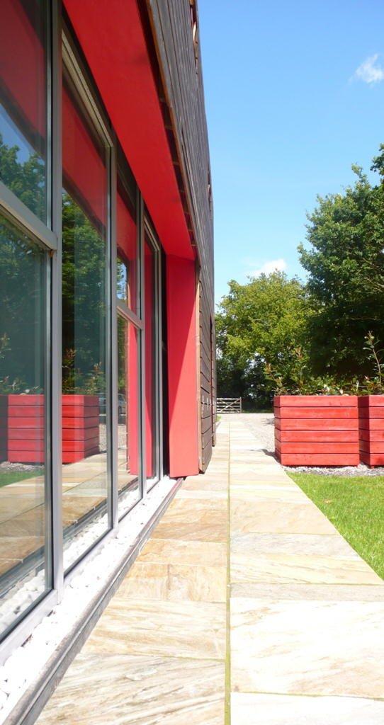 Фотография:  в стиле Современный, Дом, Дома и квартиры, Архитектурные объекты, Панорамные окна – фото на INMYROOM