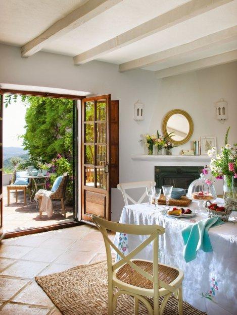 Фотография: Кухня и столовая в стиле Прованс и Кантри, Дом, Дома и квартиры, Средиземноморский – фото на INMYROOM