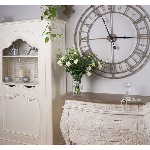 Фотография:  в стиле Классический, Современный, Декор интерьера, Часы, Декор дома – фото на INMYROOM