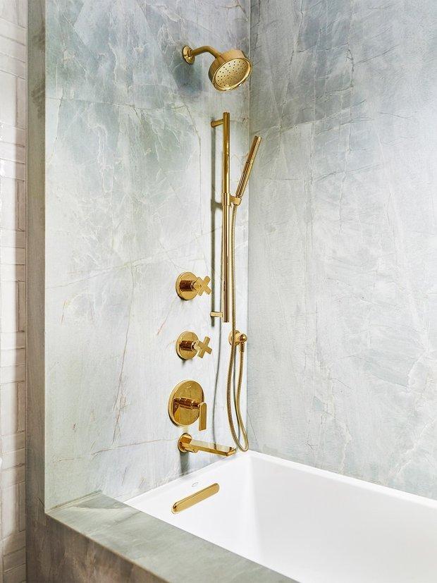 Фотография: Ванная в стиле Классический, Атмосфера в доме – фото на INMYROOM