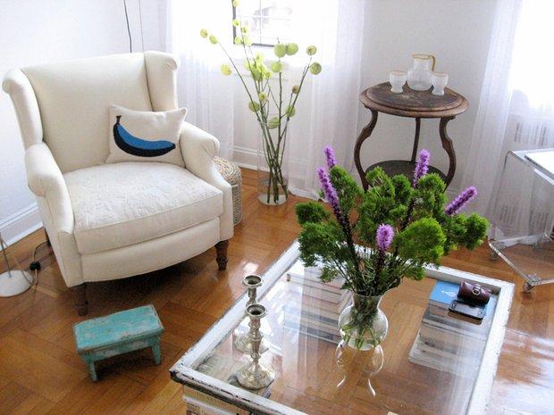 Фотография: Гостиная в стиле Современный, Малогабаритная квартира, Квартира, Дома и квартиры, Нью-Йорк – фото на INMYROOM