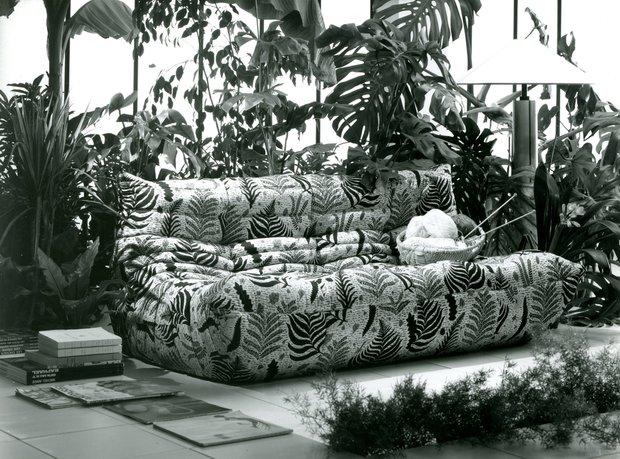 Фотография: Ландшафт в стиле Современный, Индустрия, Новости, Мягкая мебель, Диван, Ligne Roset – фото на INMYROOM