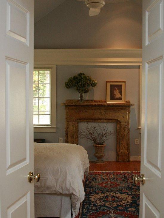 Фотография: Спальня в стиле Прованс и Кантри, Декор интерьера, Декор дома, Камин – фото на INMYROOM