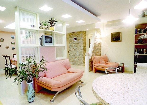 Фотография: Кухня и столовая в стиле Современный, Интерьер комнат, Мебель и свет, Подсветка, Торшер – фото на INMYROOM