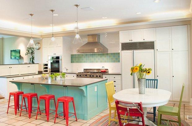 Фотография: Кухня и столовая в стиле Прованс и Кантри, Скандинавский, Декор интерьера, Декор, Белый, Зеленый, Бежевый, Синий, Голубой, Оранжевый, Бирюзовый – фото на INMYROOM