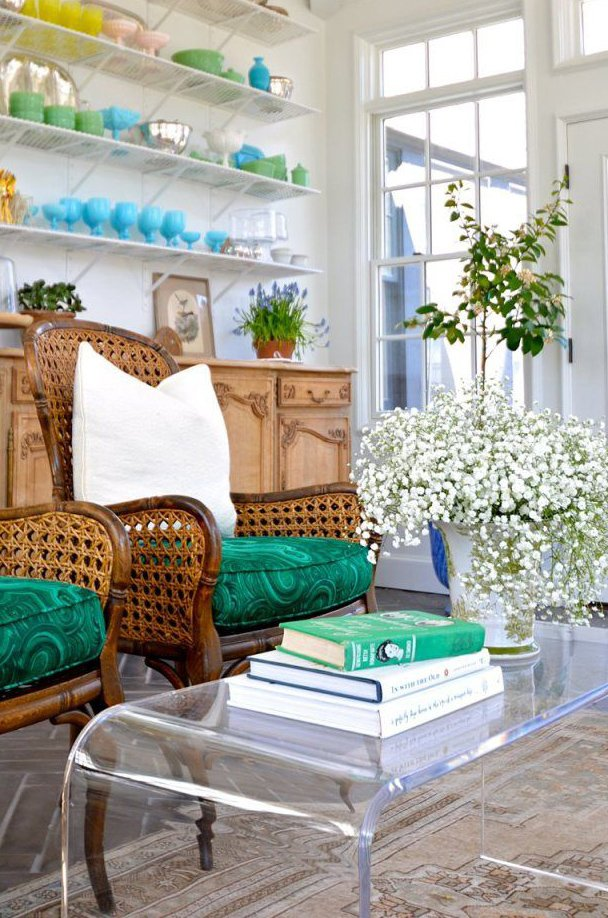 Фотография: Гостиная в стиле Прованс и Кантри, Эклектика, Декор интерьера, Дизайн интерьера, Цвет в интерьере – фото на INMYROOM
