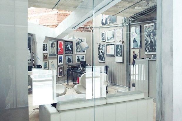 Фотография:  в стиле Прованс и Кантри, Лофт, Современный, Офисное пространство, Индустрия, Люди – фото на INMYROOM
