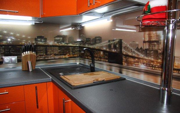 Фотография: Кухня и столовая в стиле Минимализм, Интерьер комнат, Встраиваемая техника – фото на INMYROOM