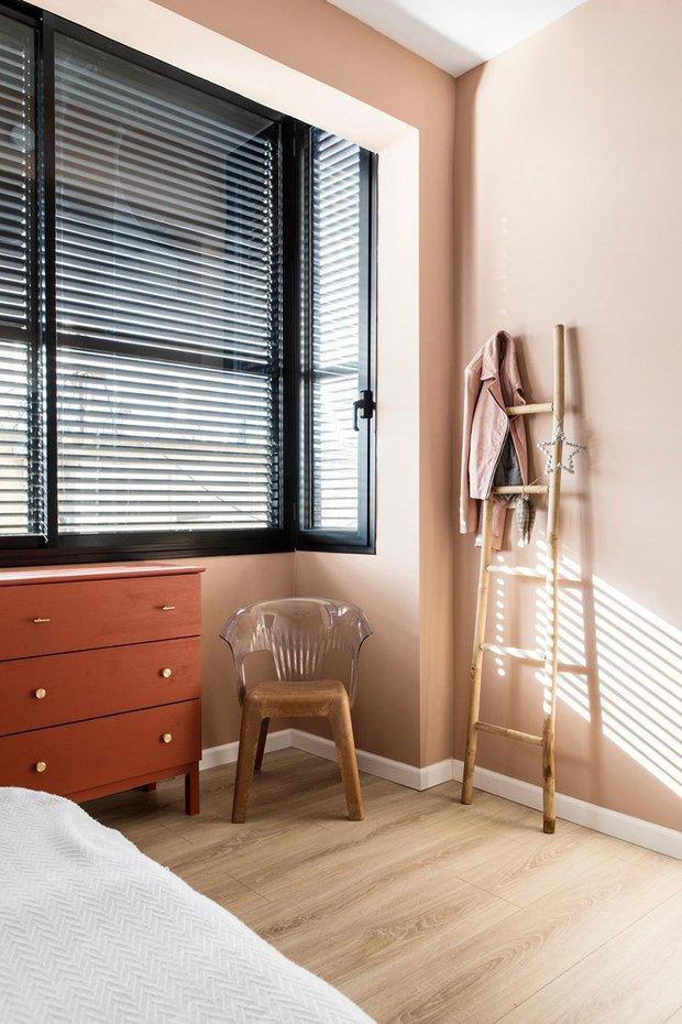 Фотография: Спальня в стиле Скандинавский, Декор интерьера, Квартира, Зеленый, Розовый, 3 комнаты, 60-90 метров – фото на INMYROOM