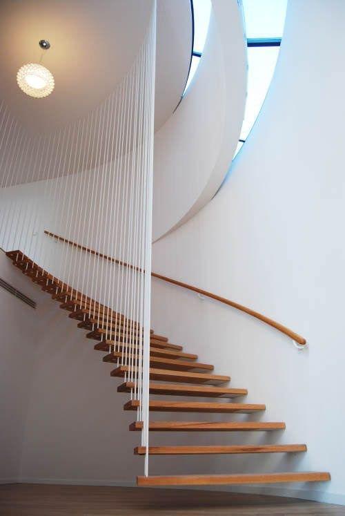 Фотография: Прихожая в стиле Лофт, Современный, Архитектура, Декор, Мебель и свет, Ремонт на практике, Никита Морозов, освещение для лестницы, какую выбрать лестницу, какие бывают лестницы, прямая лестница, винтовая лестница, лестница на больцах, подвесная лестница, ограждение для лестниц, как украсить лестницу – фото на INMYROOM