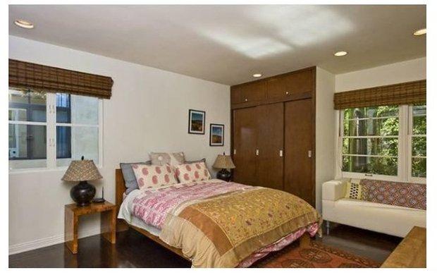 Фотография: Спальня в стиле Прованс и Кантри, Классический, Современный, Дом, Дома и квартиры, Интерьеры звезд, Бассейн – фото на INMYROOM