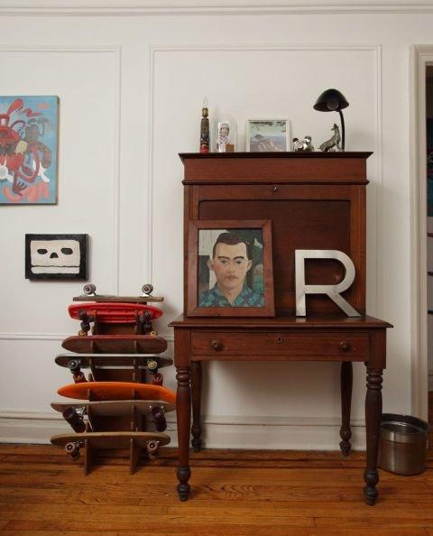 Фотография: Мебель и свет в стиле Прованс и Кантри, DIY, Квартира, Аксессуары, Советы, хранение, хранение спортивных снарядов, хранение лыж в квартире, хранение роликов в квартире, хранение доски для серфинга в квартире, хранение сноуборда в квартире, идеи хранения велосипеда в квартире, хранение самоката в квартире, хранение скейта в квартире – фото на INMYROOM