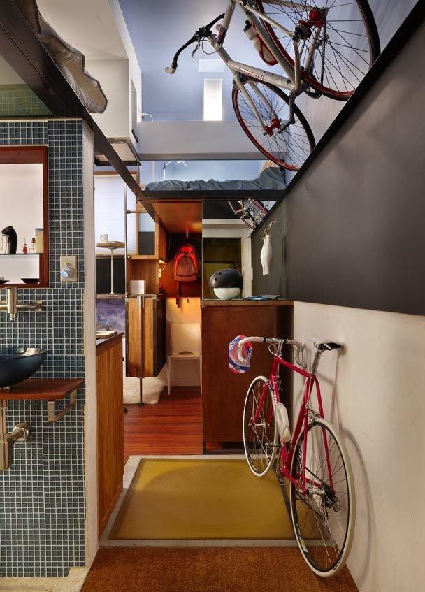 Фотография: Прихожая в стиле Лофт, Малогабаритная квартира, Квартира, Мебель и свет, Эко – фото на INMYROOM