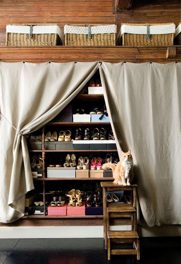 Фотография: Гардеробная в стиле Прованс и Кантри, Прихожая, Советы, хранение обуви, идеи хранения обуви – фото на INMYROOM