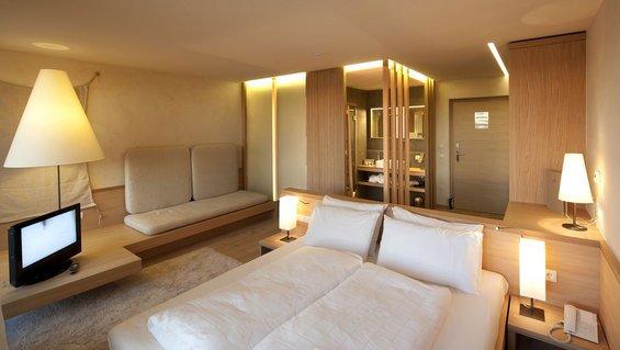 Фотография: Спальня в стиле Минимализм, Эко, Дом, Италия, Дома и квартиры, Отель – фото на INMYROOM