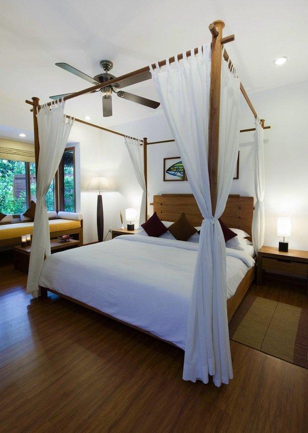 Фотография: Спальня в стиле Лофт, Современный, Декор интерьера, Мебель и свет, Балдахин – фото на INMYROOM
