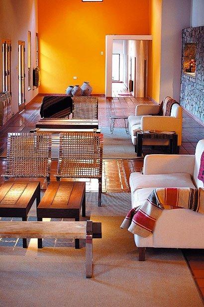 Фотография: Гостиная в стиле Прованс и Кантри, Современный, Декор интерьера, Декор дома, Цвет в интерьере – фото на INMYROOM