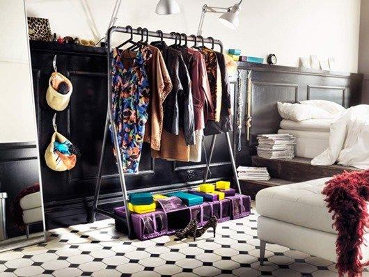 Фотография: Спальня в стиле Скандинавский, Современный, Гардеробная, Малогабаритная квартира, Хранение, Интерьер комнат, Гардероб – фото на INMYROOM