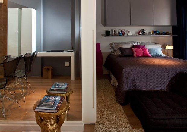 Фотография: Спальня в стиле Современный, Малогабаритная квартира, Квартира, Дома и квартиры, Бразилия, Сан-Паулу, Перегородки – фото на INMYROOM