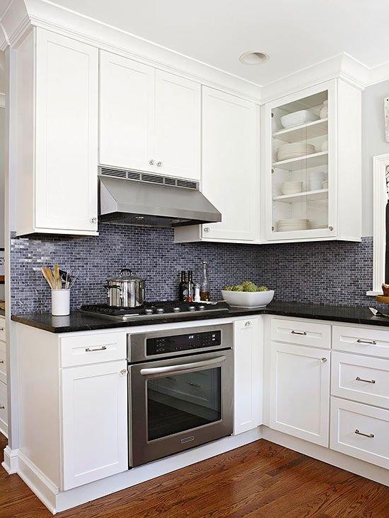 Фотография: Кухня и столовая в стиле Современный, Интерьер комнат, Цвет в интерьере, Белый, Бытовая техника – фото на InMyRoom.ru