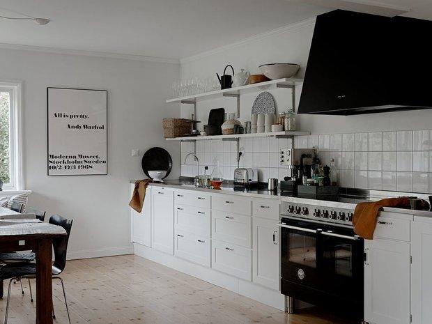 Фотография: Кухня и столовая в стиле Скандинавский, Минимализм, Дом и дача, 4 и больше, Более 90 метров – фото на INMYROOM