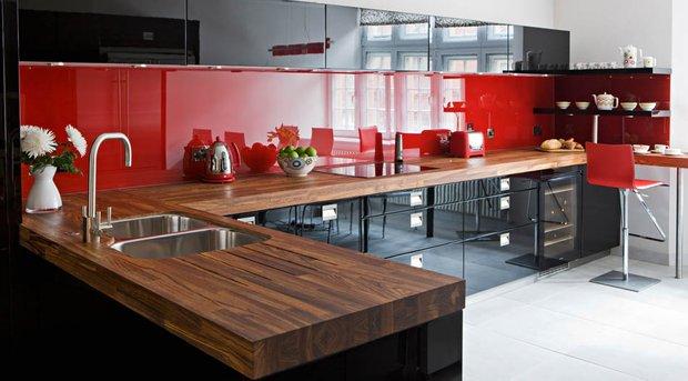 Фотография: Кухня и столовая в стиле Хай-тек, Восточный, Декор интерьера, Дизайн интерьера, Цвет в интерьере, Черный, Пол – фото на INMYROOM