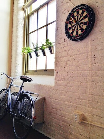 Фотография: Кухня и столовая в стиле Прованс и Кантри, Балкон, Флористика, Стиль жизни – фото на InMyRoom.ru