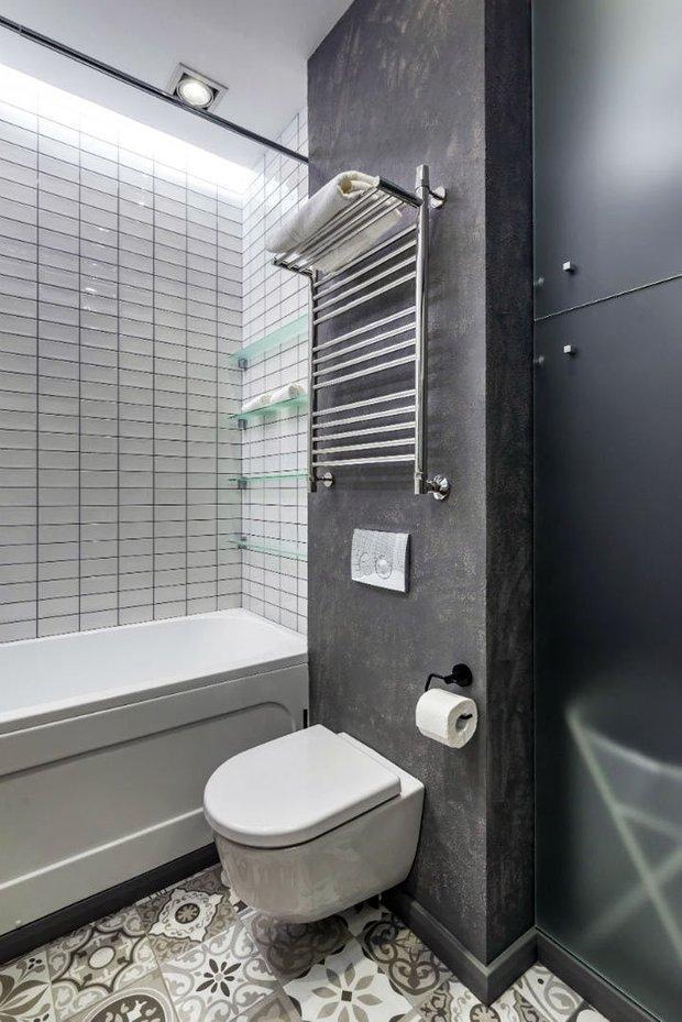 Фотография: Ванная в стиле Скандинавский, Классический, Лофт, Декор интерьера, Студия, Планировки, Белый, Черный, до 40 метров – фото на INMYROOM