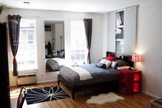 Фотография: Прочее в стиле , Спальня, Декор интерьера, Интерьер комнат, Цвет в интерьере, Красный – фото на INMYROOM