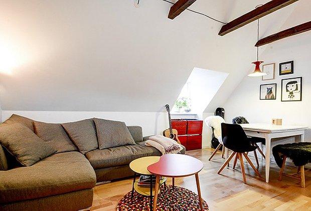 Фотография: Гостиная в стиле Лофт, Скандинавский, Малогабаритная квартира, Квартира, Швеция, Дома и квартиры – фото на INMYROOM