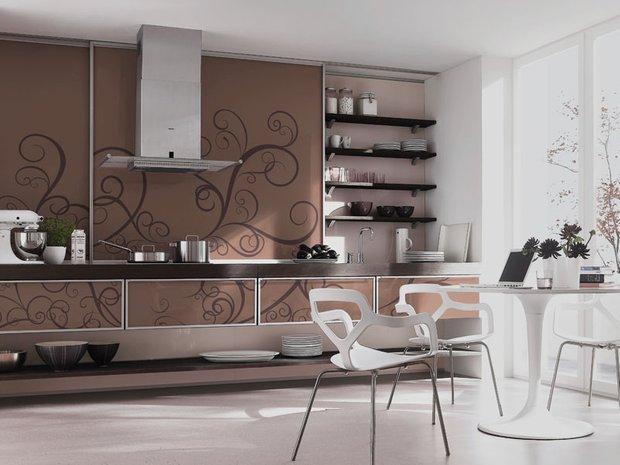 Фотография: Кухня и столовая в стиле Эклектика, Декор интерьера, Дом, Дизайн интерьера, Цвет в интерьере, Белый – фото на INMYROOM