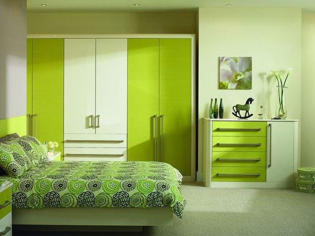 Фотография: Кабинет в стиле Классический, Спальня, Декор интерьера, Квартира, Дом, Декор, Зеленый – фото на INMYROOM
