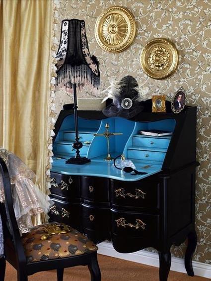Фотография: Мебель и свет в стиле Классический, Кабинет, Интерьер комнат, Системы хранения – фото на INMYROOM