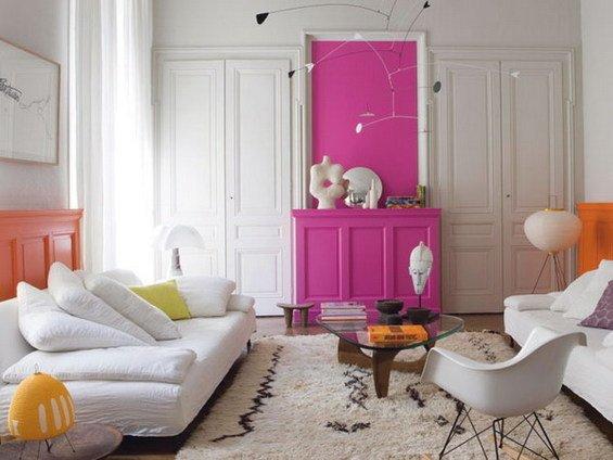 Фотография: Гостиная в стиле Скандинавский, Декор интерьера, Дизайн интерьера, Мебель и свет, Цвет в интерьере, Стены, Розовый, Фуксия – фото на INMYROOM