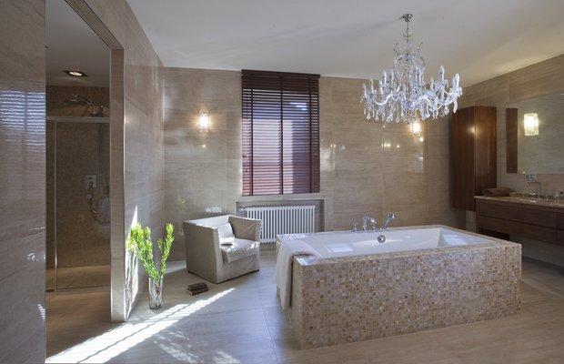 Фотография: Ванная в стиле Классический, Современный, Квартира, Проект недели, Бежевый, Коричневый – фото на INMYROOM