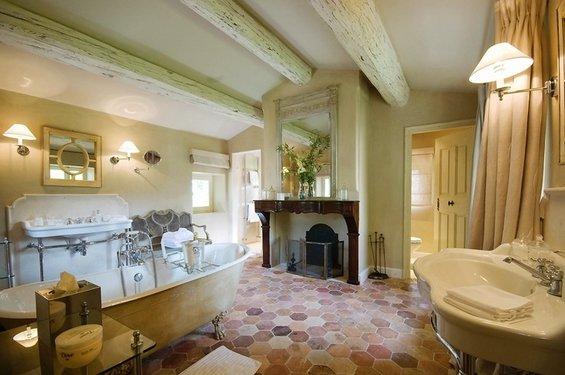 Фотография: Ванная в стиле Прованс и Кантри, Дом, Дома и квартиры, Прованс, Бассейн – фото на INMYROOM
