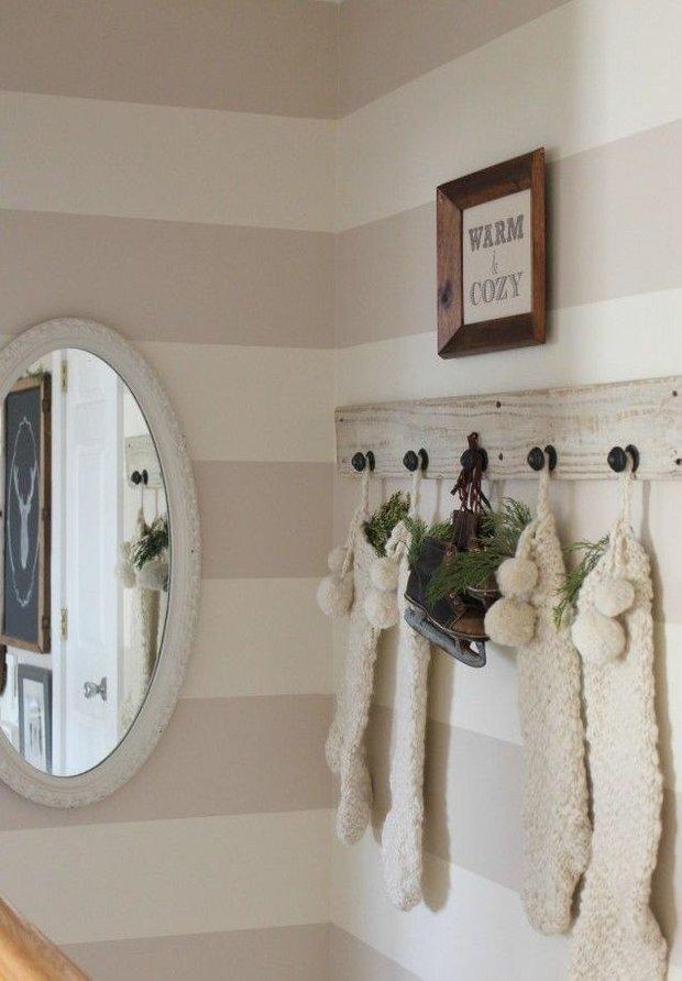 Фотография: Декор в стиле Скандинавский, Прихожая, Интерьер комнат, Ковер, Шкаф – фото на INMYROOM
