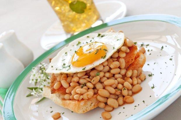 Фотография:  в стиле , Завтрак, Жарить, Кулинарные рецепты, Легкий завтрак, Яйца – фото на INMYROOM