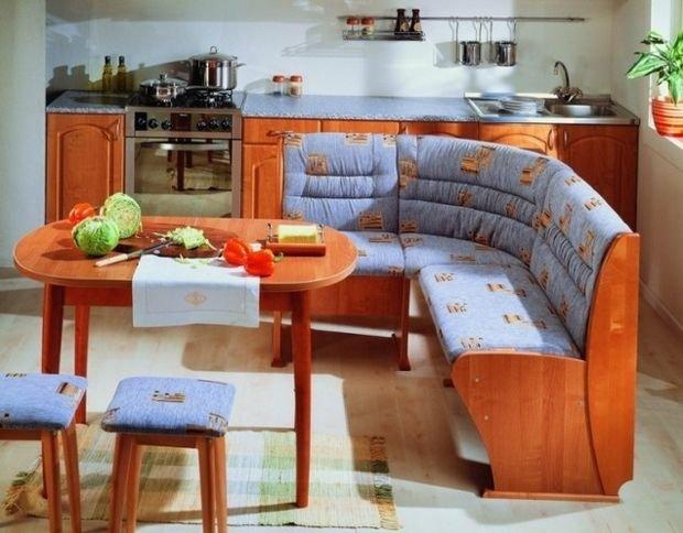 Фотография: Прихожая в стиле Скандинавский, Кухня и столовая, Гостиная, Декор интерьера, Квартира, Студия, Дом, Мебель и свет, угловой диван в интерьере – фото на INMYROOM