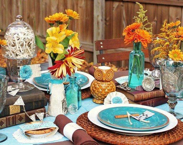 Фотография: Декор в стиле Прованс и Кантри, Современный, Цвет в интерьере, Стол, Сервировка стола, Оранжевый, Бирюзовый – фото на INMYROOM