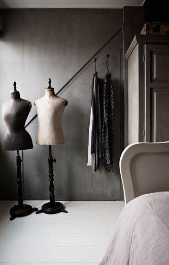 Фотография: Гардеробная в стиле Лофт, Дом, Цвет в интерьере, Дома и квартиры, Серый – фото на INMYROOM